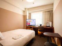 【シングルルーム】広さ17.6平米・ダブルサイズベッド