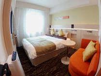 【ダブル】160cm幅のベッド。お子様の添い寝が1名様までご利用いただけます。【甲府城側】