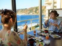 【新・展望ダイニング「銀の海」】海を眺めながらの朝食