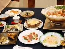 *信州の作物を使った家庭的な創作料理はボリューム満点!こだわりの料理をお楽しみください。