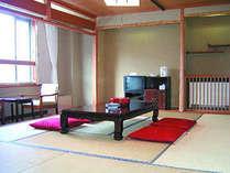 *シンプルですが明るい和室のお部屋です。