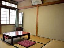■和室6畳一例■1名~3名様に最適な6畳和室。こじんまりとしておりますが、のんびりお過ごし下さい。