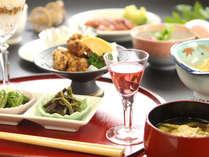 夕食一例。肉魚を一切使わないお料理で体の中からキレイに健康に!