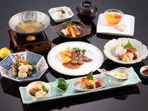 【レストラン常磐】和食・洋食の各キッチンで仕上げた和洋折衷会席。