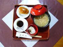 △奈良の郷土料理の茶粥。さらっと炊き上げるのが特徴です