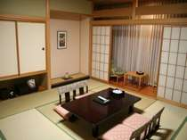和室。寛ぎの空間が嬉しい。