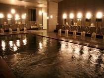 宿泊のお客様専用のお風呂は低い温度でごゆっくりお入りいただけます。