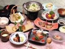 お食事は毎月毎月 料理長が素材を吟味してかえて行きます。