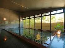 宿泊者専用の大浴場。夜1時まで入れ、宿泊者限定風呂なので比較的空いているのも嬉しい♪