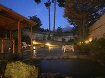 常念岳を見ながら入る露天風呂は当館ならではの醍醐味