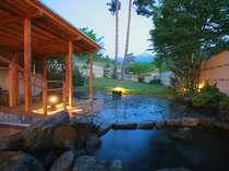 露天風呂は男女ともに2つあり、天気のよい日には常念岳がクッキリ見える。