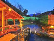 広大な景色を望める自慢の露天風呂では至福の時を楽しめる。