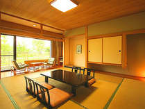 和モダンな和室。木漏れ日が癒しのひと時を演出してくれます。