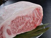 舌の上でトロけそうな信州プレミアム牛をご堪能ください。