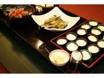 朝食の一部 地元のお豆腐屋さんのおぼろ豆腐