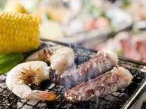お肉や野菜を炭火焼で召し上がれ