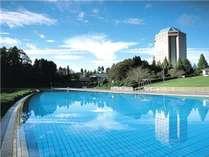 ラク・レマンプール/全長 130mの大型屋外リゾートプール