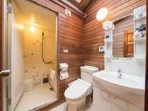 *ログハウスバスルーム/ユニットバスと独立洗面台をご用意しております