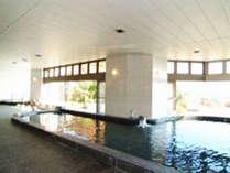 *バスルーム(真名カルナの湯)/新潟県杤尾又温泉で産出された鉱石を使用