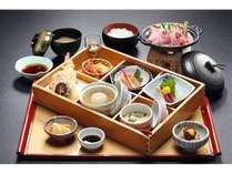 房総カジュアル御膳/外房の地魚や地元の野菜を使い、四季折々の会席御膳をご用意(一例)