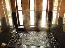 家族で入れる地元の天然石を使った麦飯石ジャグジー貸切風呂(24h)。心も体もぽっかぽかに。