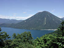 【周辺】男体山や中禅寺湖など人気の観光スポットがございます。