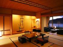 日本建築を粋を集めた40坪の特別室。12畳の和室と洋風応接室、独立した10畳のベッドルーム。