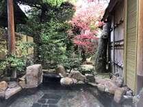 湯量豊富な『さぎの湯温泉』100%源泉かけ流しの温泉を、ほぼ24時間お楽しみ頂けます。