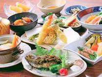 *お夕食一例/無農薬の自家栽培や地元食材にこだわった田舎会席をお楽しみください。