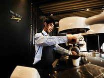 【インターゲートラウンジ】地元の美味しいコーヒーを味わいながら、寛ぎのひとときをお過ごしください。