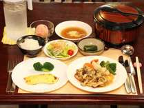 ★夕食は日替わりメニュー。オーナーこだわりの料理をどうぞ