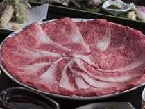 国産和牛もすき焼きかしゃぶしゃぶで。舌にとろけるうまさ。