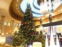 今年もロビーに登場!特大クリスマスツリー♪(イメージ)