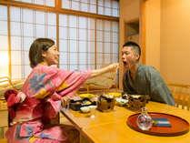 【夕食はお部屋食】気兼ねなく、仲良く分け合ってお召し上がりいただけます