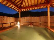 ■温泉■自家源泉が滔々と流れる自慢の露天風呂。