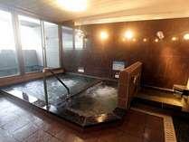 ■岩戸温泉(鉱泉)■露天風呂付の大浴場で、夕方には立神岩に沈む夕日を見ながらのんびりとご入浴★