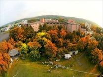 熱気球体験ホテル上空より外観(秋の紅葉)