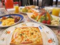 パリのカフェご飯クロックムッシュと手作りヨーグルトの朝食付 貸切温泉露天 プレミアムフライデーにも