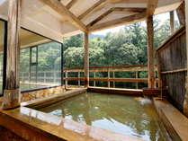 大浴場にある露天風呂☆川のせせらぎと鳥の鳴き声を聞きながら湯ったりと♪