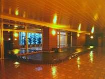 【大浴場・露天風呂】夜間ライトアップ