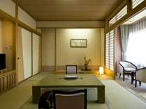 錦館:10畳+2畳 落ち着いた雰囲気の和室です ν