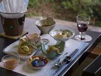 ◆ご夕食/山・海の食材をバランスよく配した会席料理をご用意いたします※一例