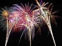【8月26日限定◆2食付】赤谷湖上花火大会★夕食のあとは大輪の花火を満喫♪