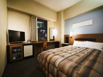 140~160cmベッドのダブルルーム。広々ベッドでごゆっくりお休みください。