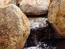 【外湯「千畳の湯」】源泉は48度。掛け流しのいいお湯です