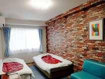 【ツイン】リニューアルしたツインルームです。部屋ごとに雰囲気が異なり、リゾート気分を満喫できます。