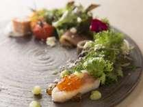 【2/20~3/31限定】≪じゃらん本誌掲載≫オホーツク産熟成秋鮭も利尻昆布やオリーブオイルで厨流の味わいに