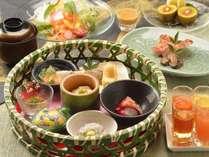 小鉢たくさん朝定食