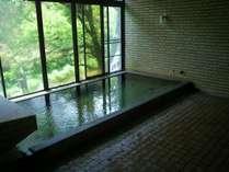 【女性用大浴場】当館自慢の美肌の湯。最上階の展望風呂(内湯)から景色をながめてどうぞ♪