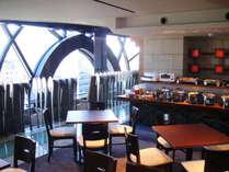 ご朝食会場は市街地を見下ろす15Fラウンジ(2011年7月OPEN)
